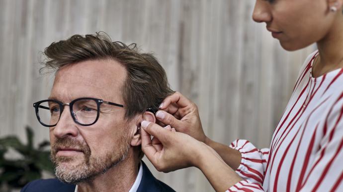 Dofinansowanie do aparatów słuchowych